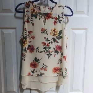 Violet & Claire Floral Sleeveless Blouse